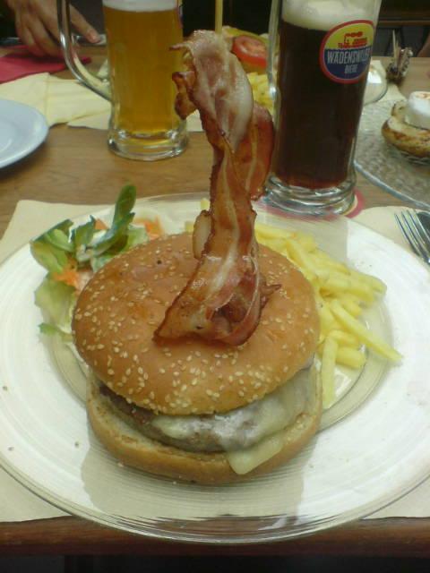 image from Brau-huus cheeseburger