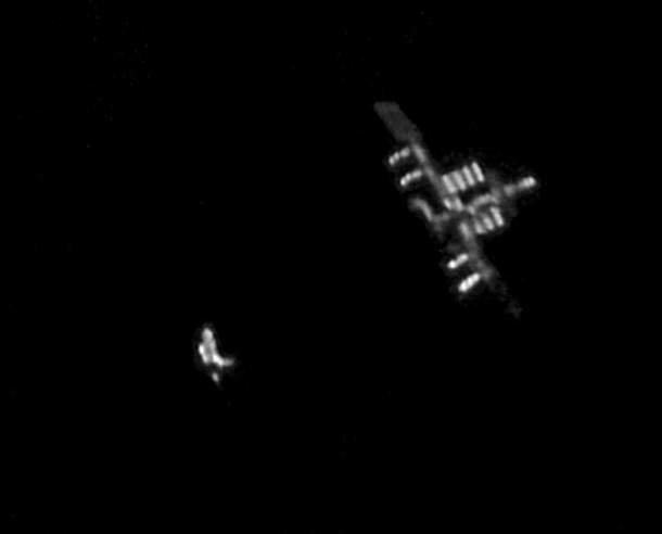 image from Ridiculously awesome pic of Discovery and the ISS taken from the ground! | Bad Astronomy