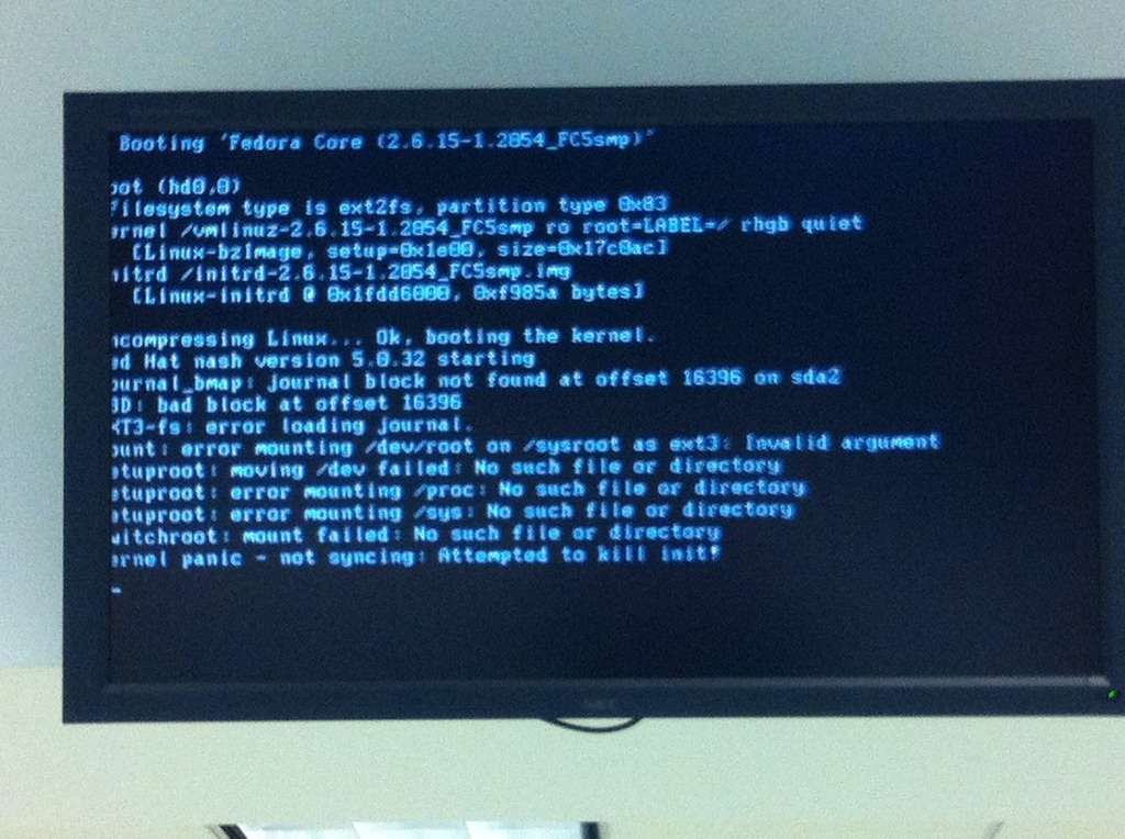 image from Linux kernel panic on train station screen at Boston airport